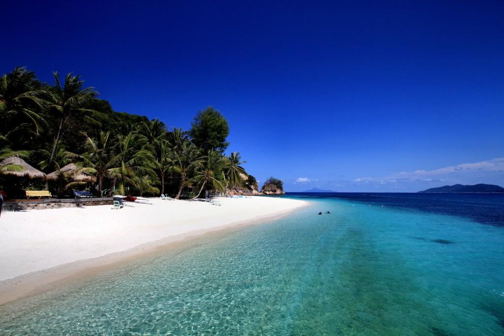 Фото пляжа в Малайзии.