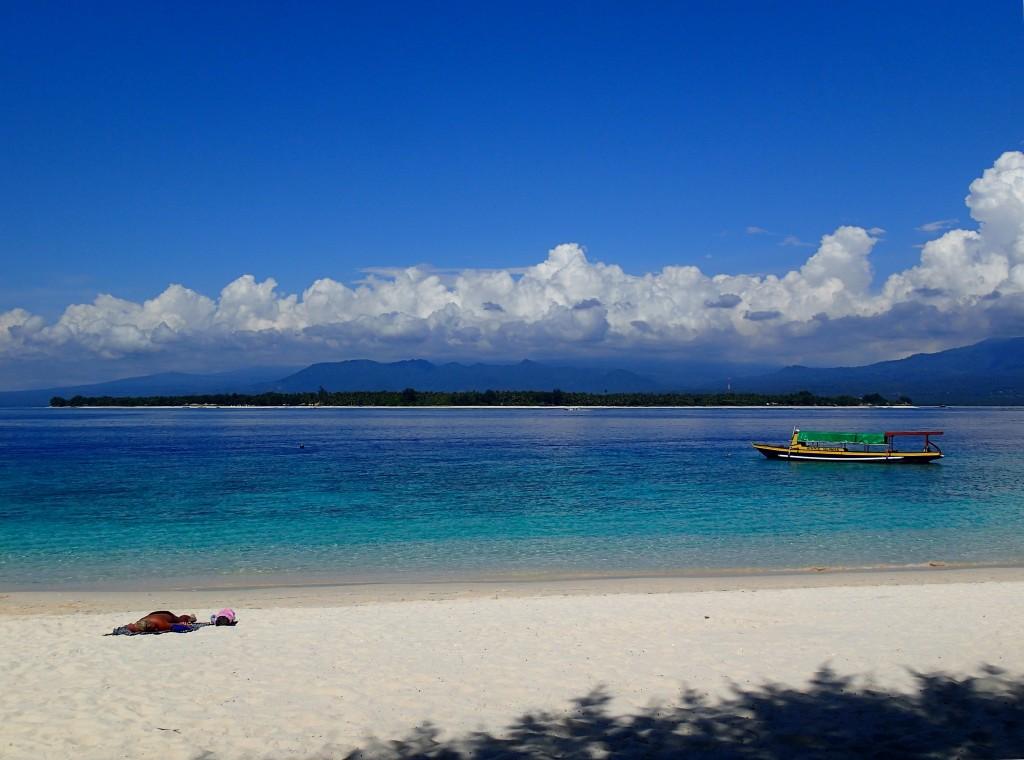 Фото пляжа в Индонезии