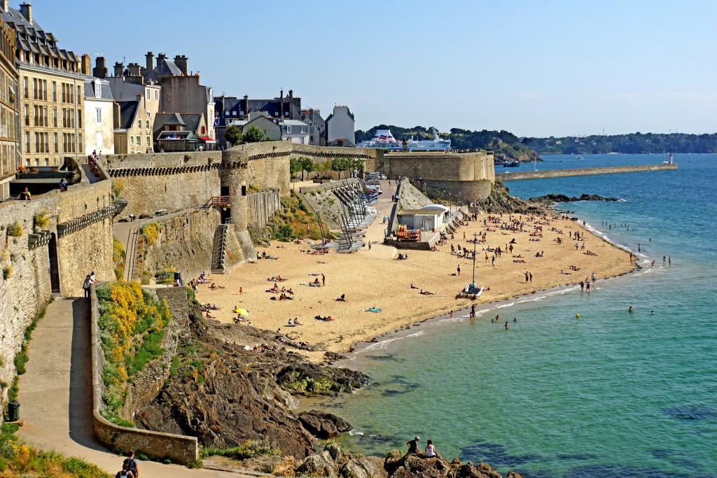 Фото пляжа во Франции (провинция Бретань).
