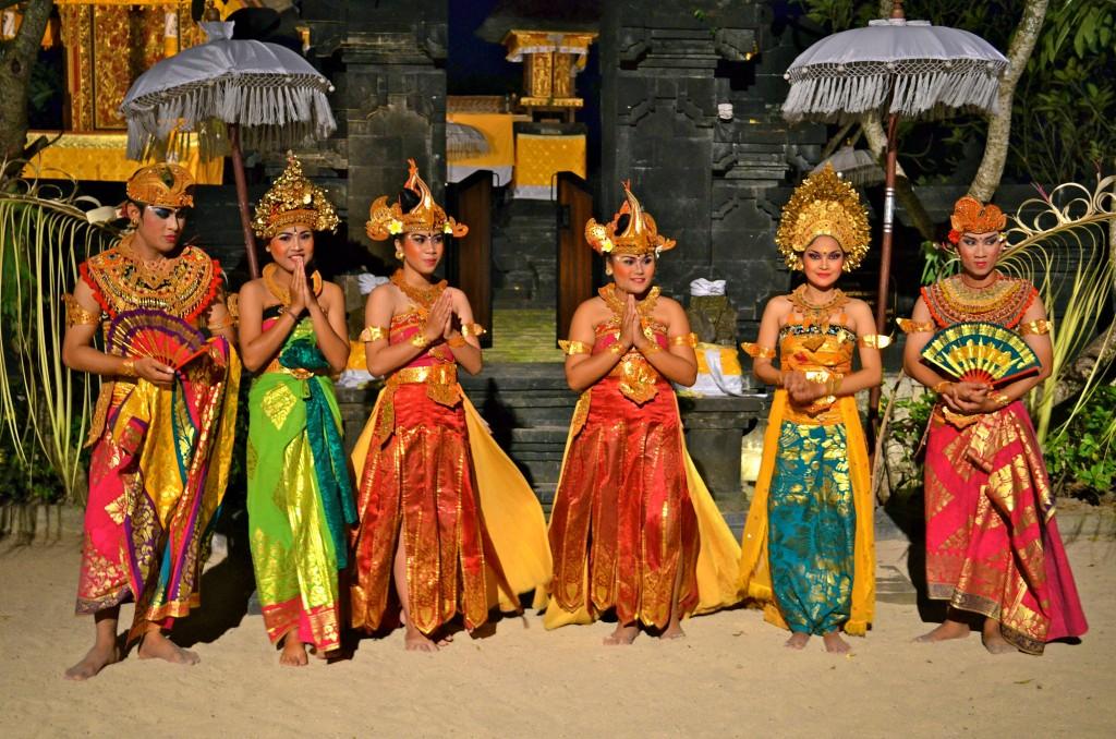 Фото жителей Индонезии (острова Бали).