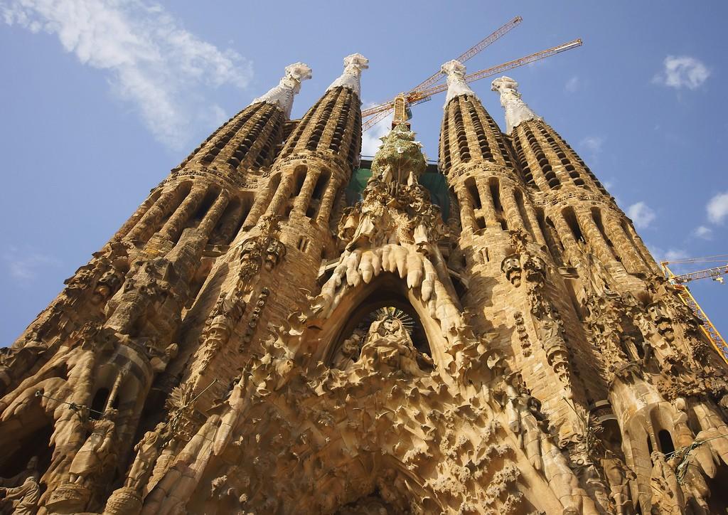 Фото церкви Sagrada Familia в Испании