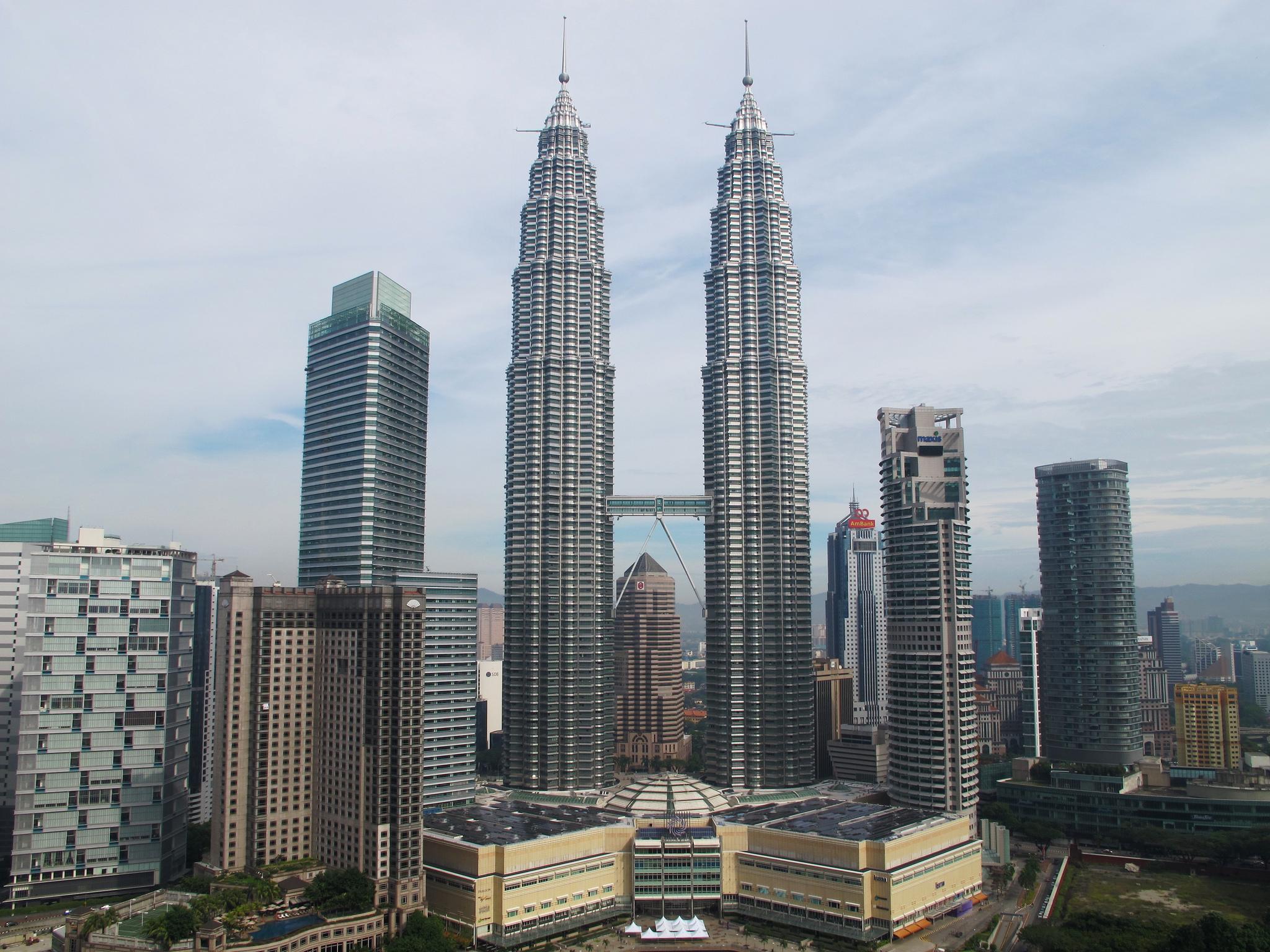 Фото башен Петронас в Малайзии.