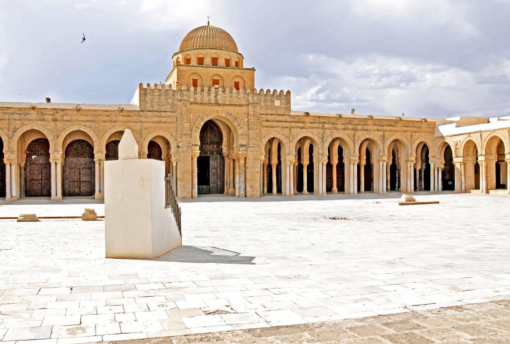 Фото мечети в Тунисе
