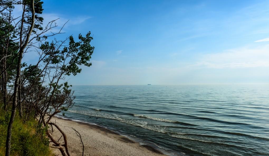 Фото побережья Балтийского моря в районе Паланги.
