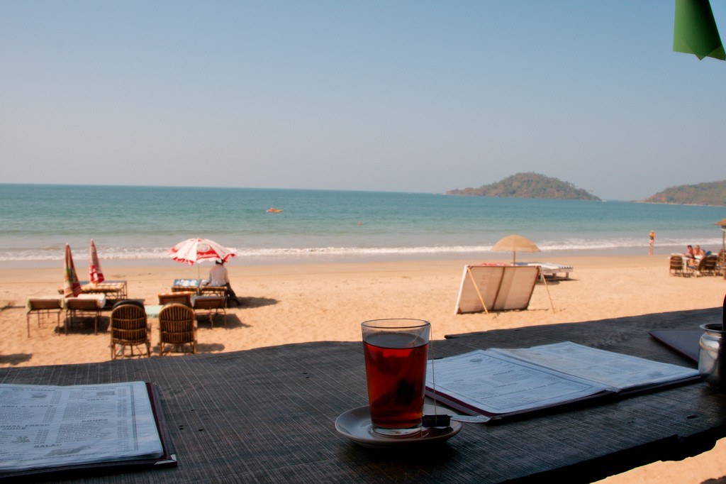 Фото пляжа в Гоа.