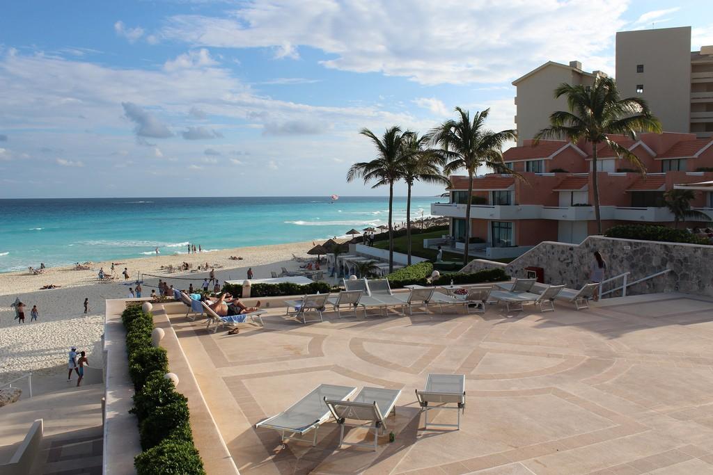 Фото отеля на пляже в Мексике