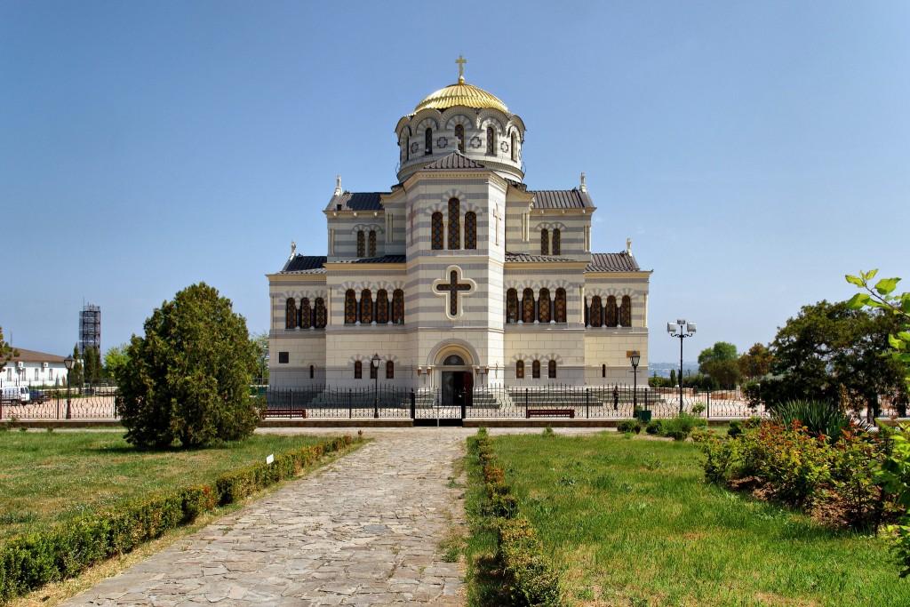 Фото собора в Севастополе.