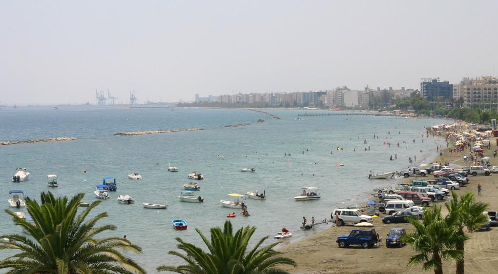 Фото пляжа в Лимасоле