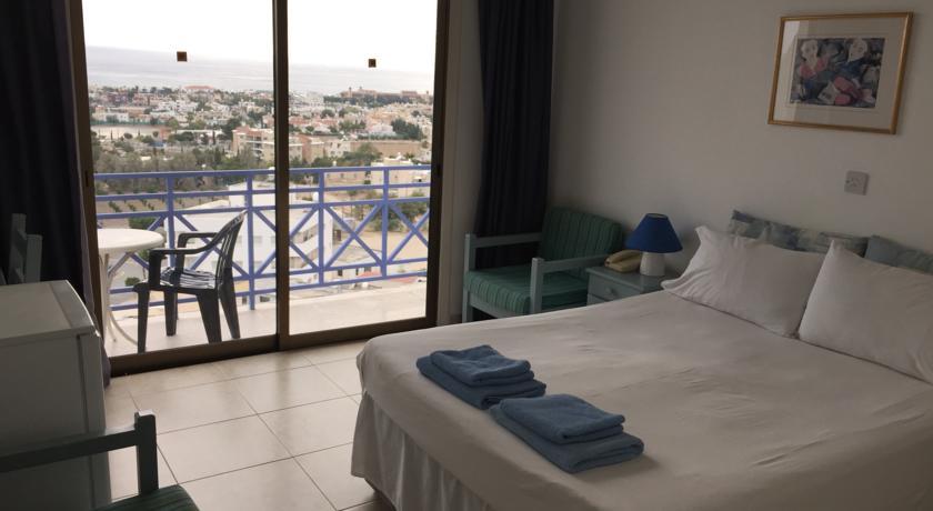 Фото отеля Axiothea Hotel