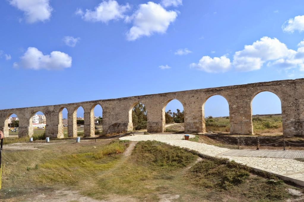 Фото акведука Камарес