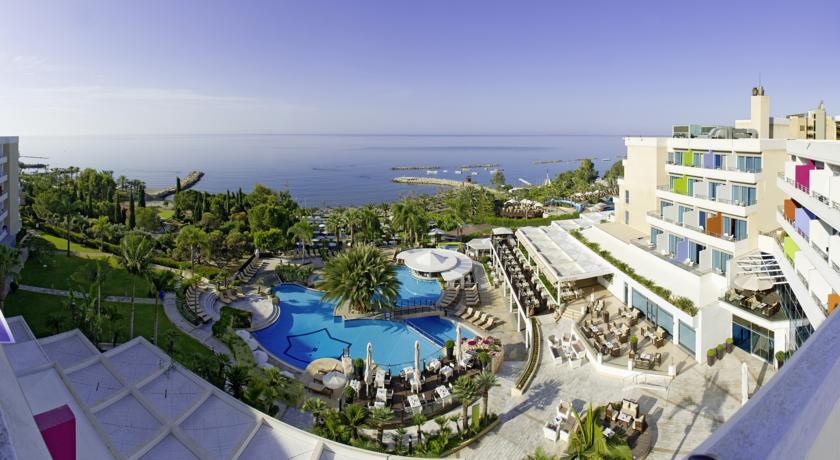 Фото отеля Mediterranean Beach Hotel