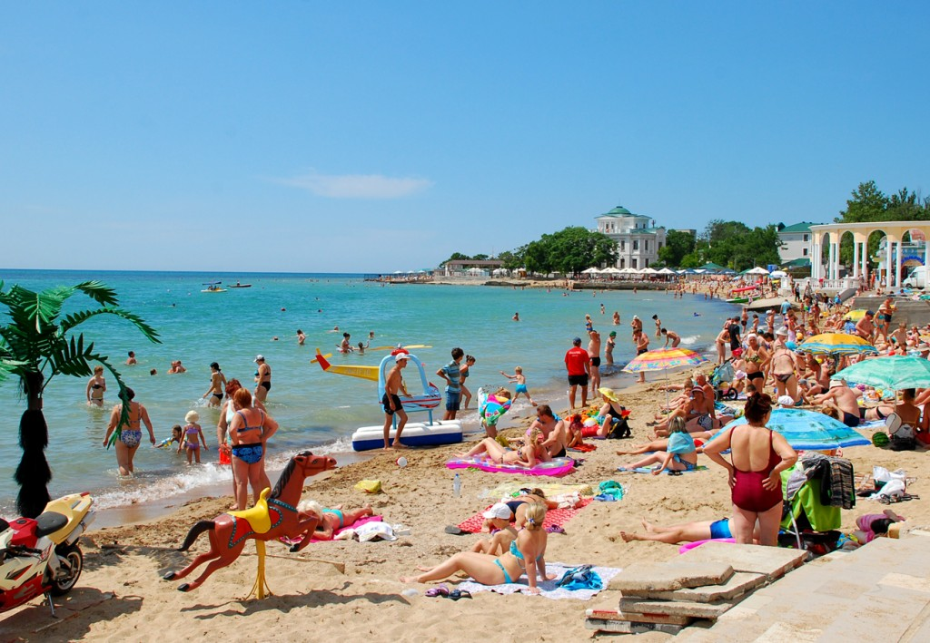 Фото пляжа в Евпатории