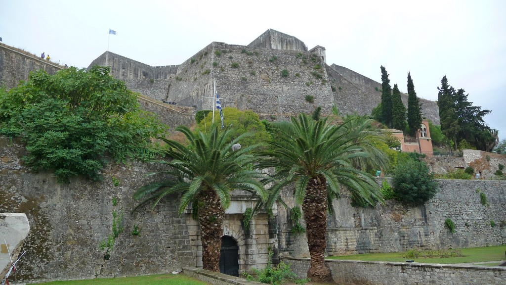 Фото новой крепости на острове Корфу.