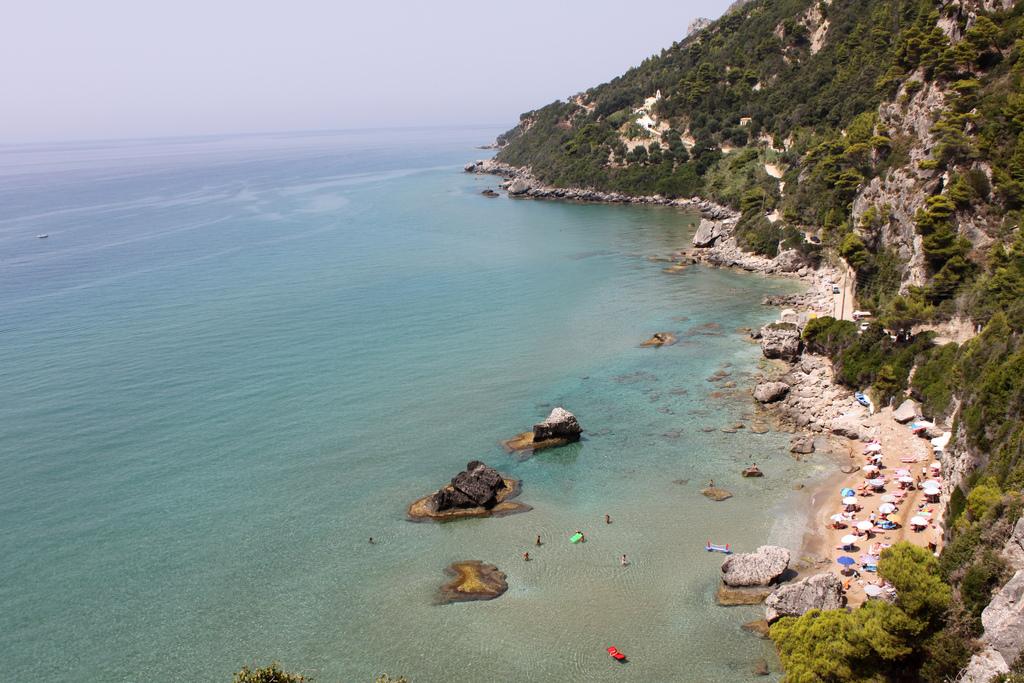 Фото побережья острова Корфу
