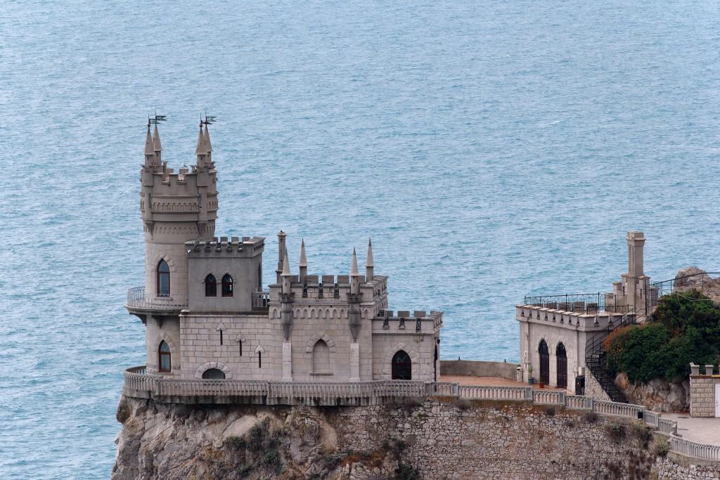 Фото замка Ласточкино гнездо – главной достопримечательности Крыма