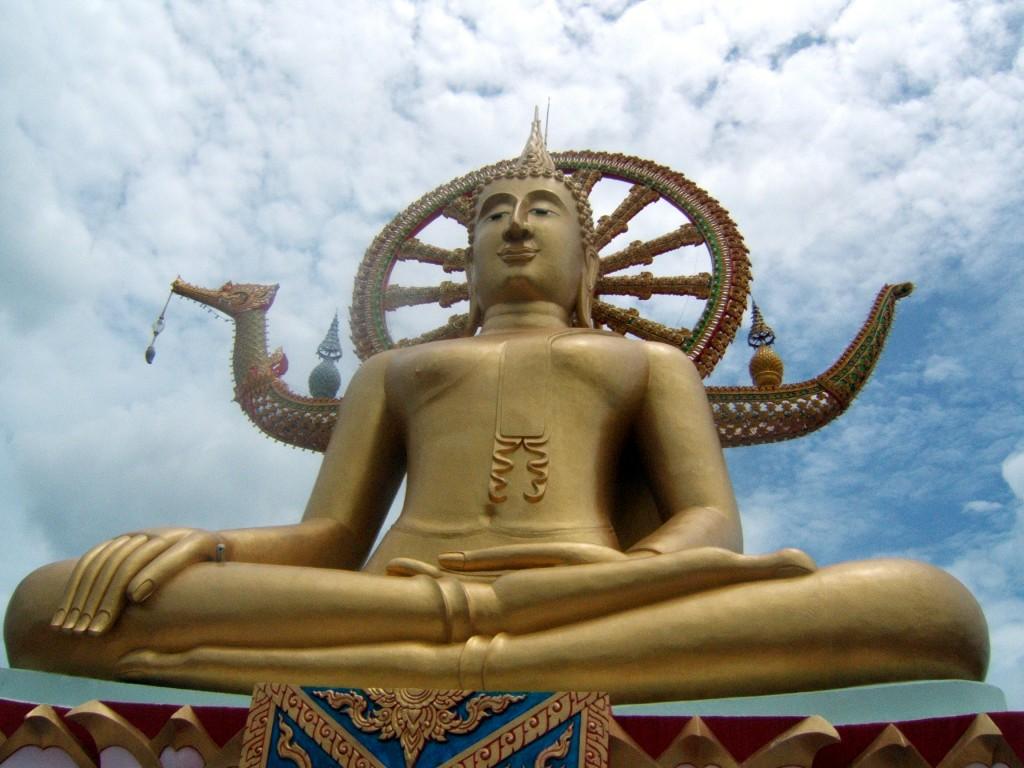 Фото большой статуя Будды на Самуи