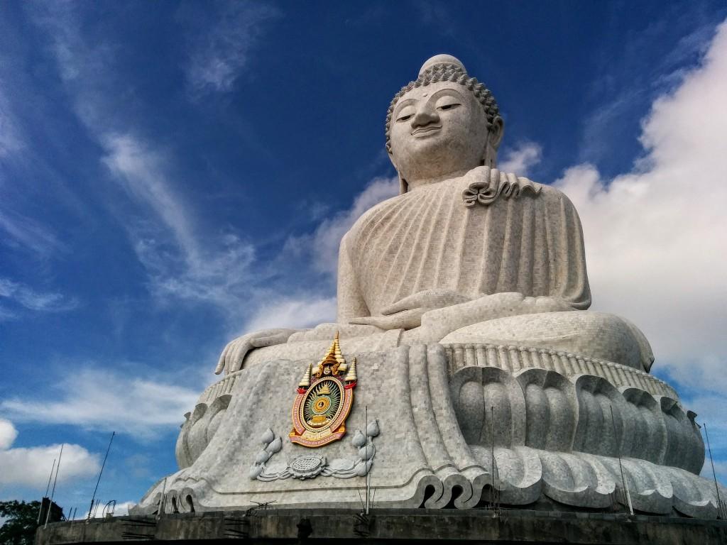 Фото большой статуи Будды на Пхукете