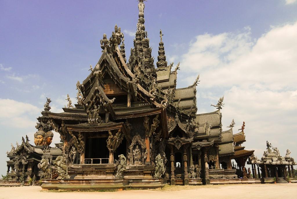 Фото Храма Истины в Паттайе
