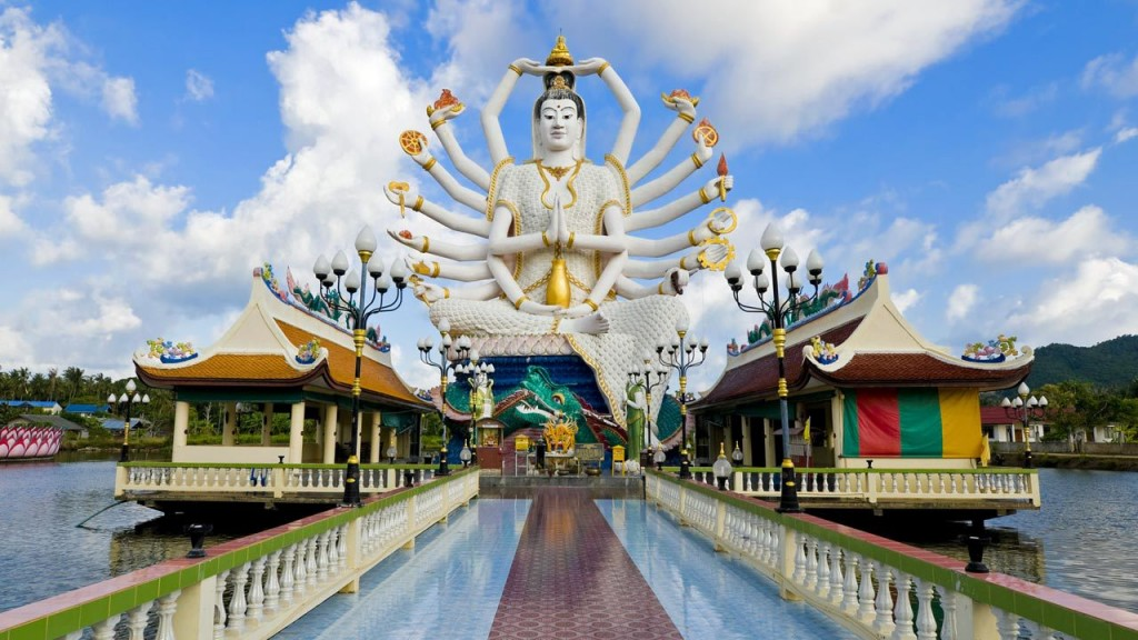 Фото храма Плай Лаем на Самуи