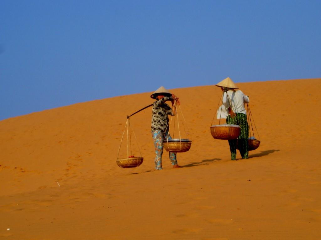 Фото песчаных дюн в Муйне.