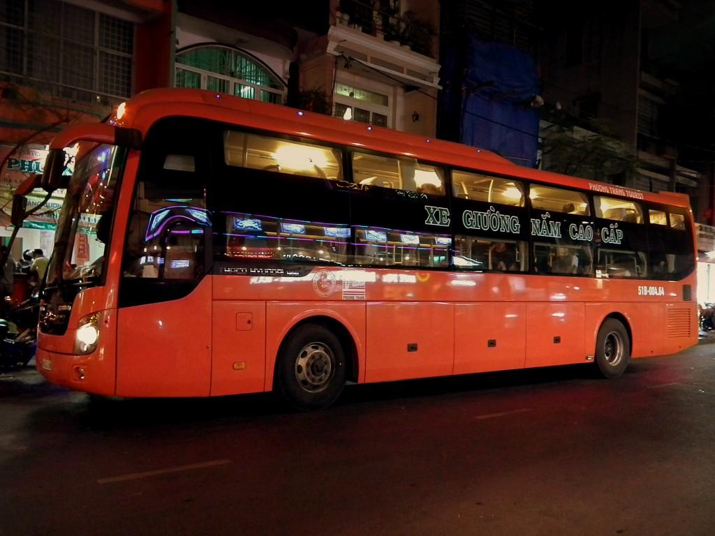 Фото ночного автобуса из Хошимина в Нячанг