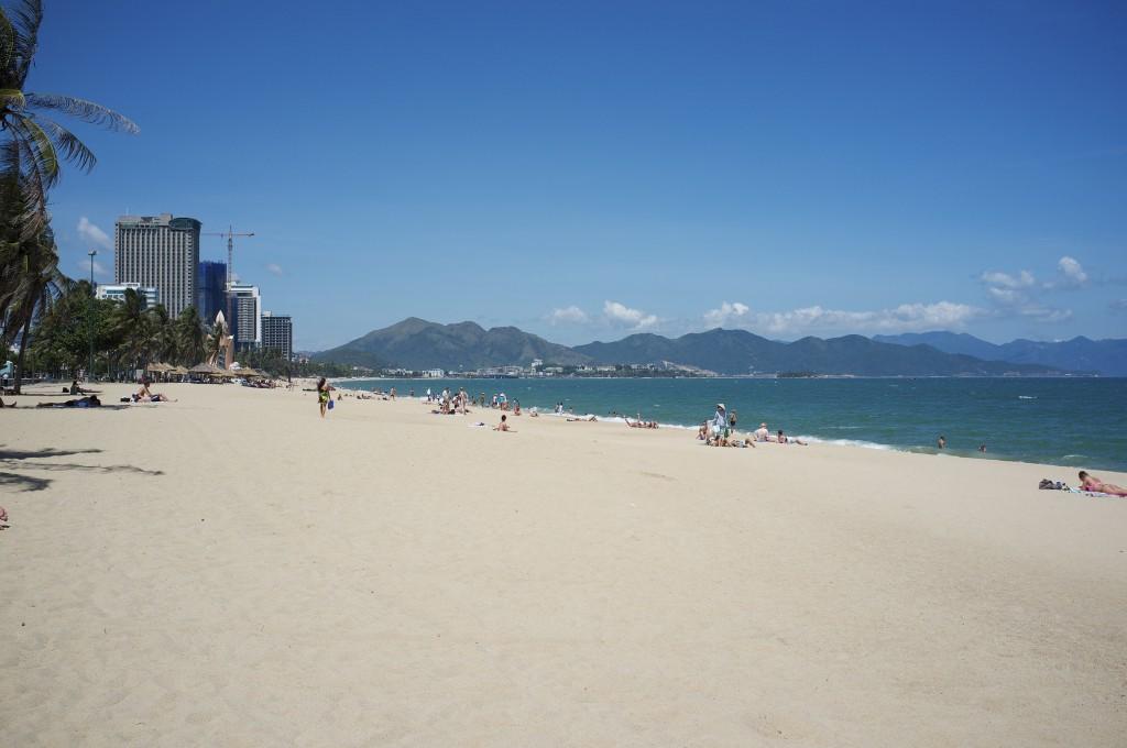 Фото городского пляжа Нячанга