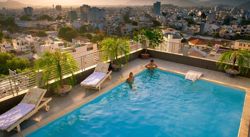 Фото отеля The Summer Hotel
